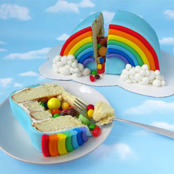 1-Hungry-Happenings-Rainbow-Pinata-Cake